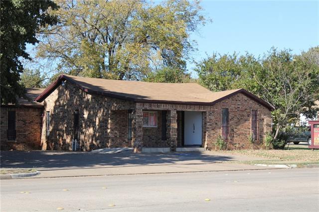 2207 N Beach Street Haltom City, TX 76111