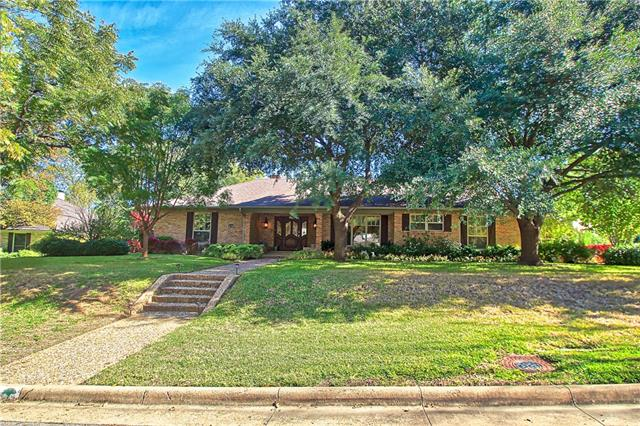6720 Mossvine Place, Addison, Texas
