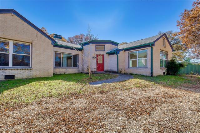 910 Meadow Oaks Drive Arlington, TX 76010