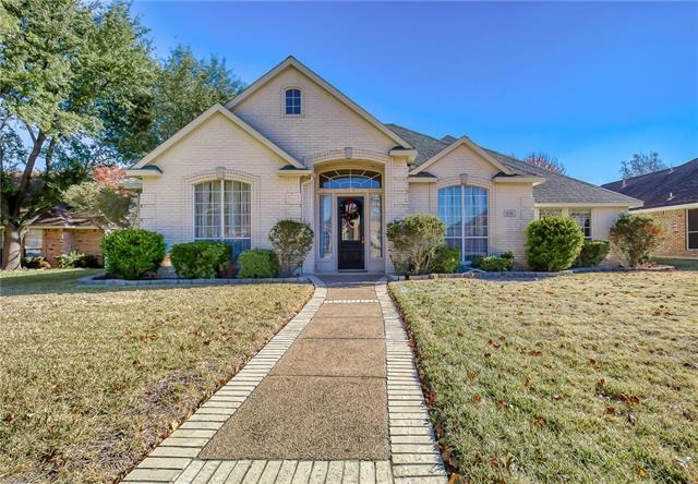 608 N Silver Creek Circle, De Soto, Texas