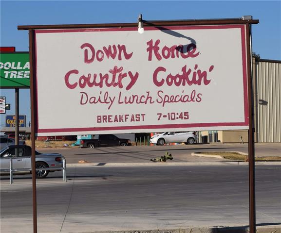 2105 S Bridge Street, Brady, TX 76825