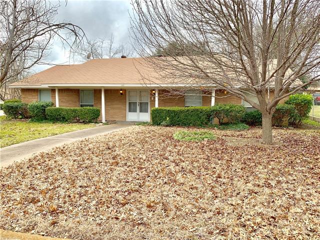 145 Hillside Lane, De Soto, Texas