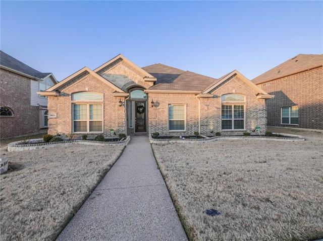 1829 Lakeview Drive, De Soto, Texas
