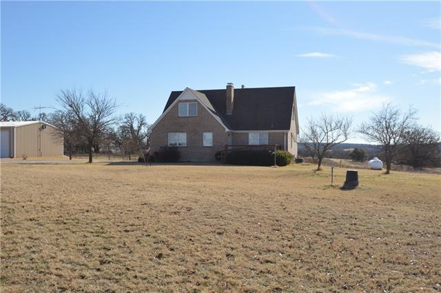 800 Cornstubble Lane Poolville, TX 76487