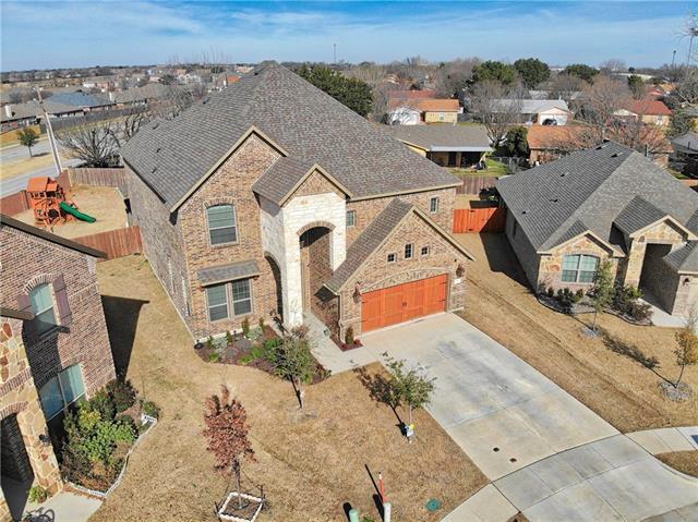 752 Ravenwood Drive Saginaw, TX 76179
