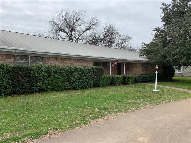 901 W Union Street Jacksboro, TX 76458