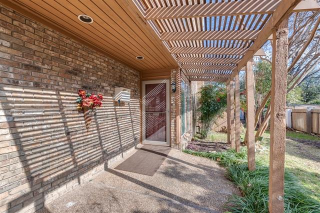 One of Fort Worth Central West 3 Bedroom Homes for Sale at 1909 Clover Lane