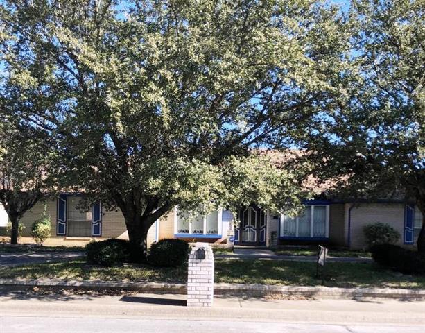 1416 Marble Canyon Drive, De Soto, Texas
