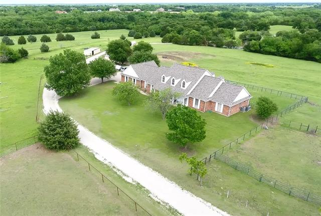 950 Winningkoff Road Lucas, TX 75002