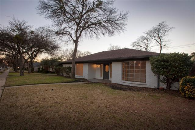 2521 Lakeview Drive, Bedford, Texas