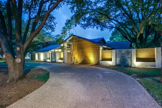 6212 Emeraldwood Place, Addison, Texas