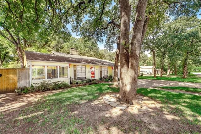 1605 Robinwood Drive, Fort Worth Alliance, Texas