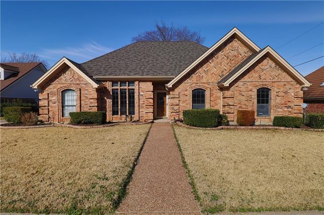 604 Oakview Drive Hurst, TX 76054