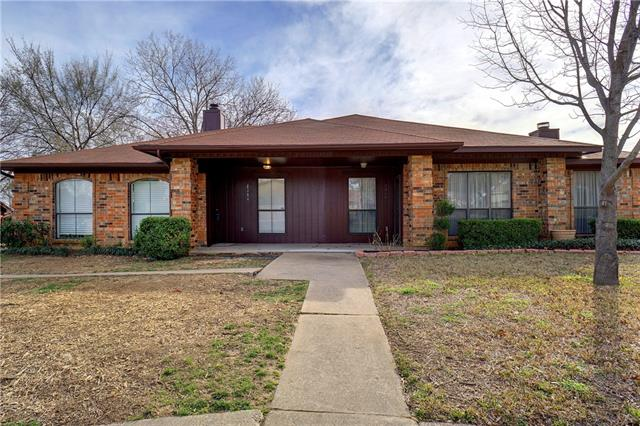 2304 Chestnut Way, Bedford, Texas