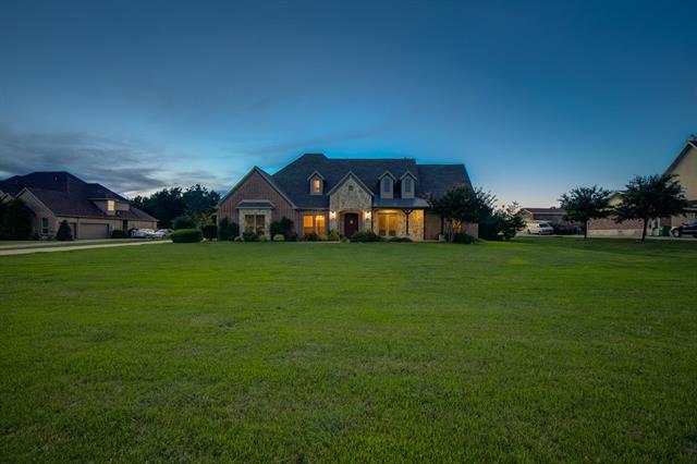 204 Lost Spur Lane Royse City, TX 75189