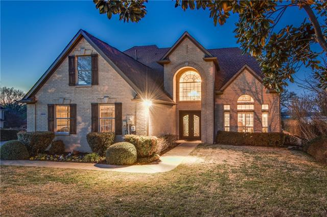 2202 Lakeridge Drive Grapevine, TX 76051