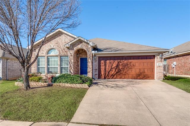 806 Chrissy Creek Lane, Euless, Texas