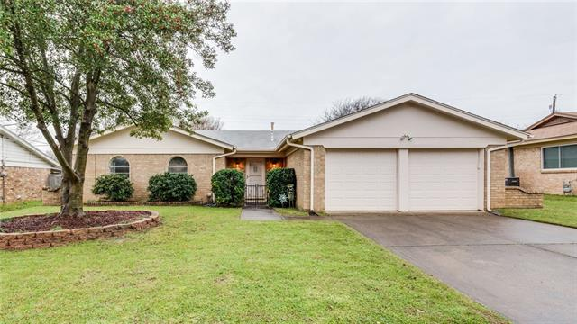 909 Chattanooga Drive, Bedford, Texas