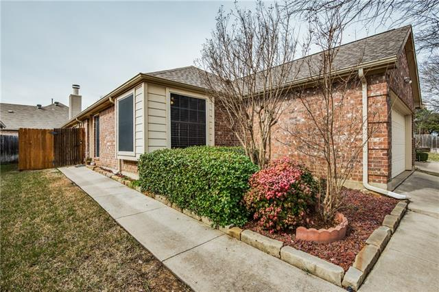 903 Palomino Drive, Euless in Tarrant County, TX 76039 Home for Sale