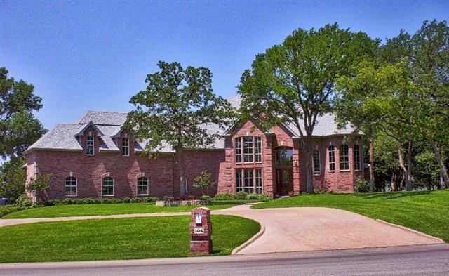 104 Kortney Drive Hudson Oaks, TX 76087