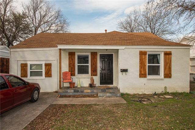 One of Fort Worth Central West 3 Bedroom Homes for Sale at 2800 W Bewick Street