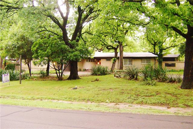 2305 Ingleside Drive, Grand Prairie in Dallas County, TX 75050 Home for Sale