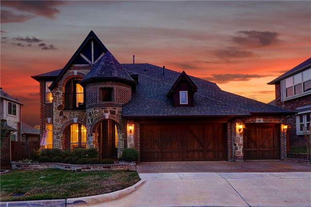 606 Camden Court, Euless, Texas