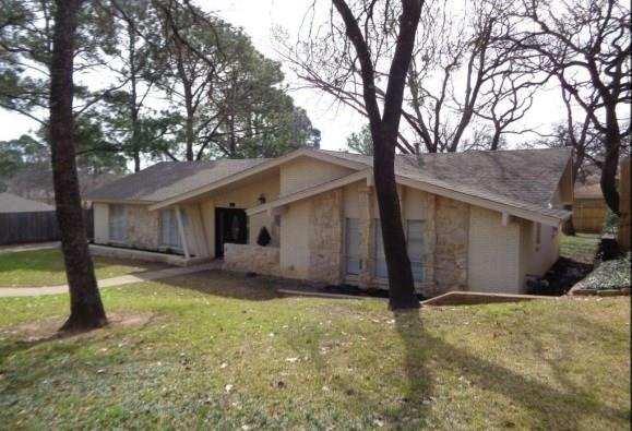 42 Devonshire Drive, Bedford, Texas