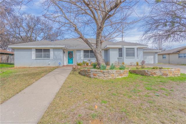 341 Somerset Circle, Bedford, Texas