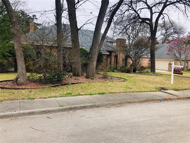 1328 Mosslake Drive, De Soto, Texas