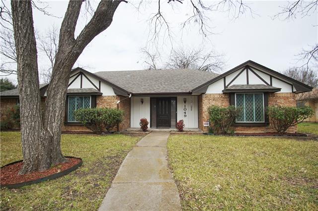 1049 Rosewood Drive, De Soto, Texas
