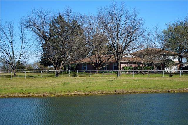 2304 E Wintergreen Road Hutchins, TX 75141