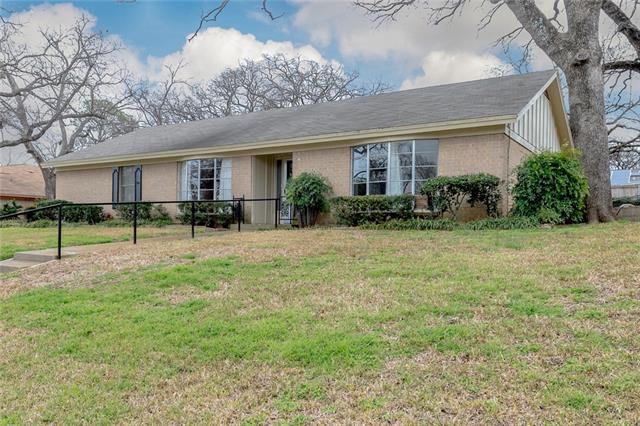 1812 Shenandoah Drive, Euless in Tarrant County, TX 76039 Home for Sale
