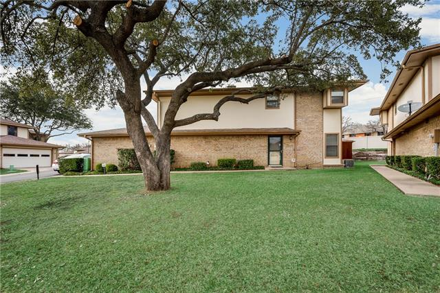 31 Cedar Lane, Bedford, Texas