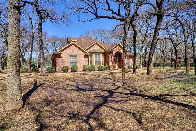 1500 W Oak Shores Cross Roads, TX 76227