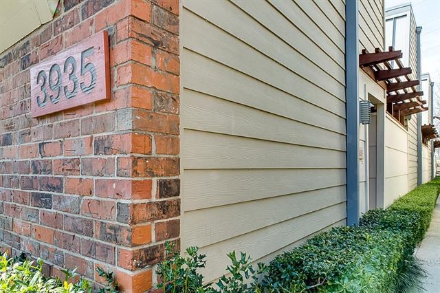 Dallas Uptown Homes for Sale -  Pool,  3935 Buena Vista Street