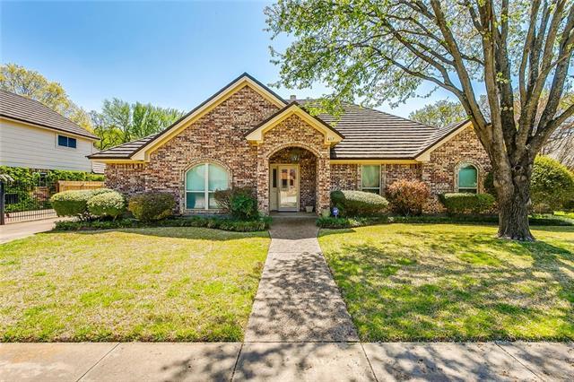 417 Evergreen Drive Hurst, TX 76054