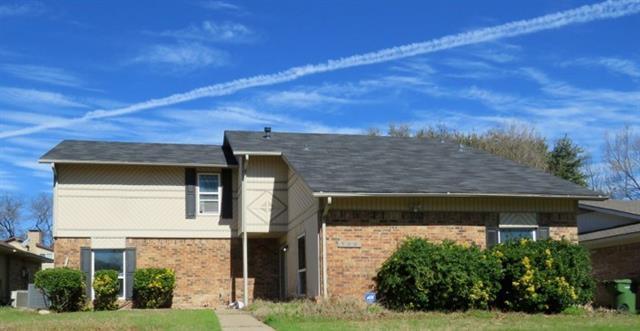 709 Middle Glen Drive, Garland, Texas