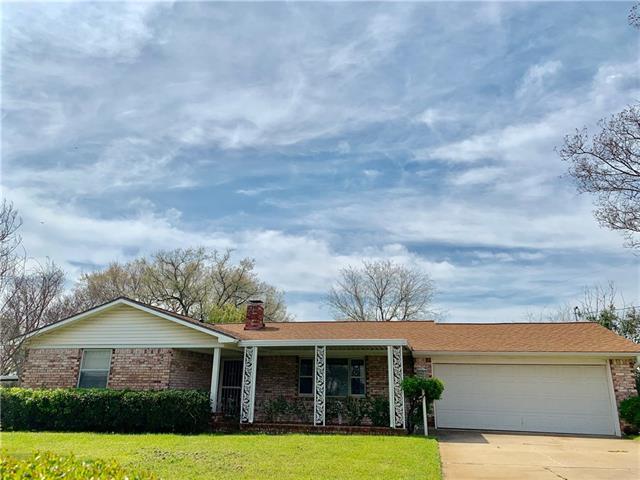 521 Branch Circle E White Settlement, TX 76108