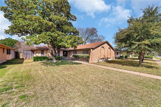 3937 Roanoke Drive, Garland, Texas
