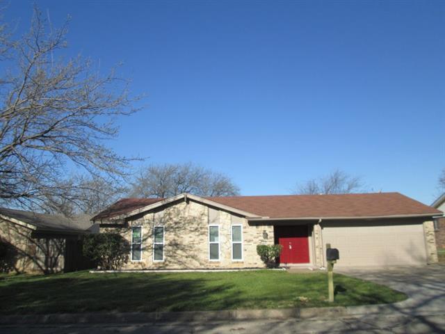 5525 Denise Drive Haltom City, TX 76148
