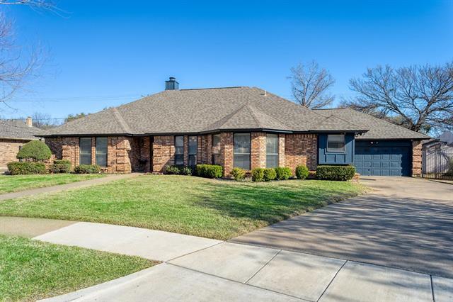 504 Highland Park Drive Hurst, TX 76054