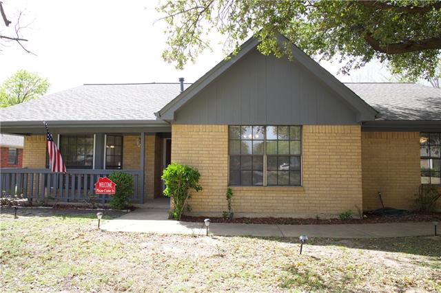 1209 Circle Lane, Bedford, Texas