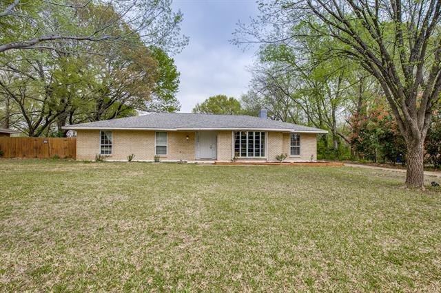 306 Oakwood Drive Lancaster, TX 75146