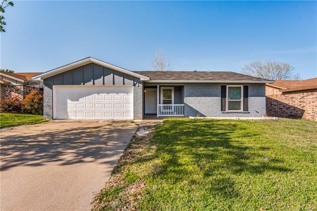 6425 E Meadowlark Lane E Watauga, TX 76148