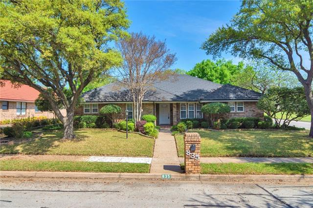 835 Saddlebrook Drive S, Bedford, Texas