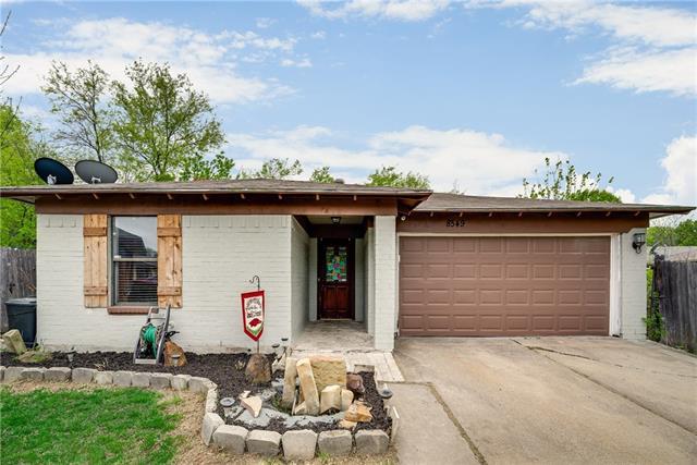 8549 James Court White Settlement, TX 76108