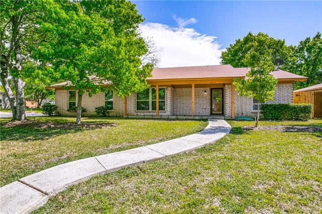 2805 Canyon Drive, Grapevine, Texas