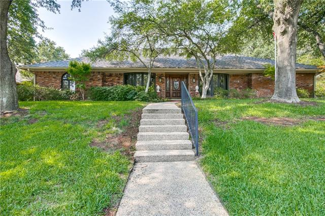 2722 Buttermilk Drive Arlington, TX 76006