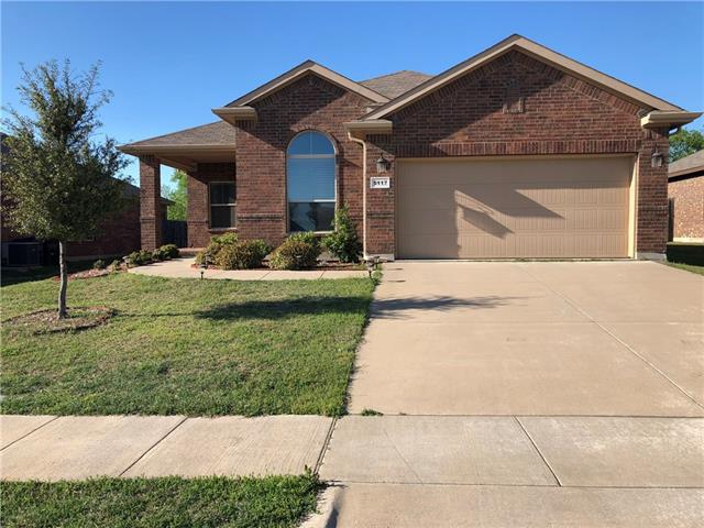 5117 Crystal Lake Avenue Krum, TX 76249